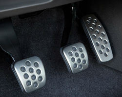 manual car pedals to stop stalling